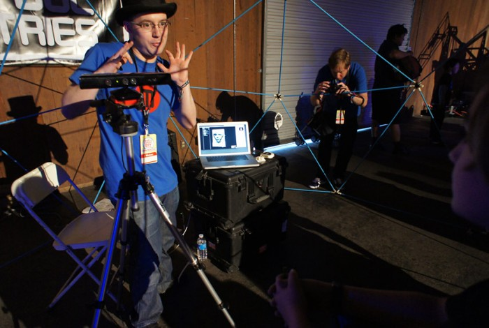 Popular Mechanics Features MakerBot Thing-O-Matic in 10 Coolest DIY Projects From Maker Faire 2011