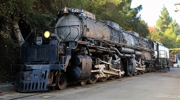 big-boy-locomotive-4014-union-pacific